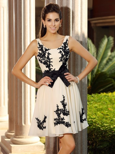 A-Line/Princess Square Applique Sleeveless Short Chiffon Cocktail Dresses