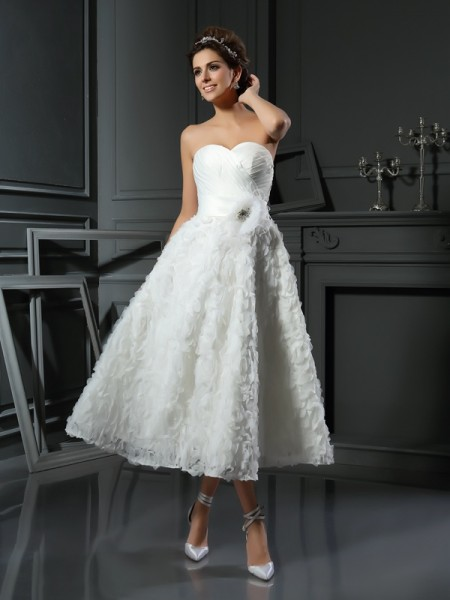 A-Line/Princess Sweetheart Bowknot Sleeveless Short Satin Wedding Dresses