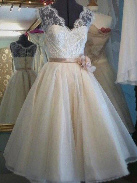 A-Line/Princess V-neck Knee-Length Lace Sleeveless Sash/Ribbon/Belt Tulle Wedding Dresses