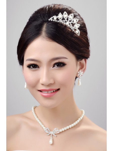 Stunning Alloy Clear Crystals Pearls Wedding Headpieces Necklaces Earrings Set